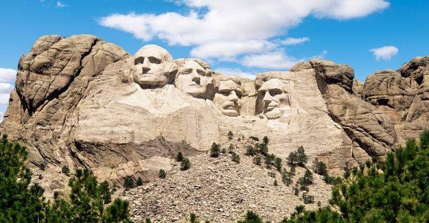 CNN desaires Monte Rushmore como monumento de dos slaveowners' después de exaltando su 'majestad' en 2016