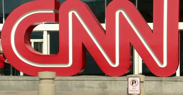 CNN salta de Triunfo en medio de observaciones positivas informe de trabajos, los críticos dicen que la red de forma transparente parcial'