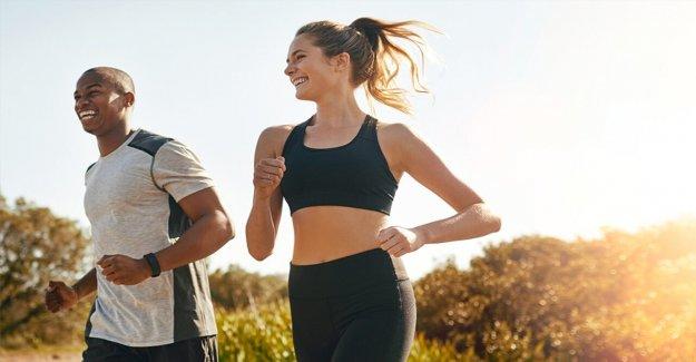 Cómo mejorar los entrenamientos al aire libre este verano, de acuerdo a un entrenador de celebridades