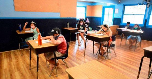 Coronavirus actualizaciones en vivo: Illinois Gob. JB Pritzker archivos de demanda para exigir a las máscaras en las escuelas