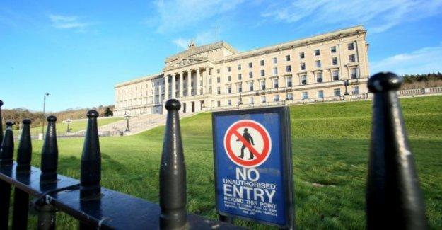 DUP diputados desafiar a las partes por encima de Stormont proyecto de ley