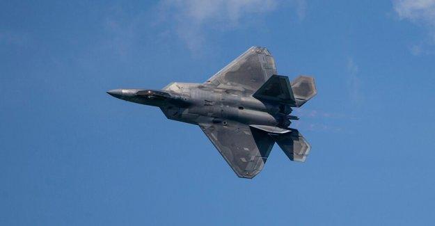 De la Fuerza aérea F-22s puede pelear otros F-22s en simulacros de entrenamiento de combate