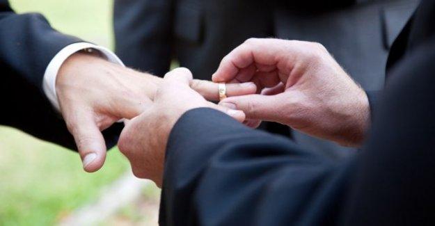 Del mismo sexo a los matrimonios religiosos en NI de de septiembre