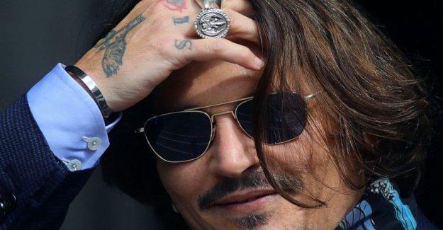 Depp abogados jugar video que muestra Oído 'atacado' hermana