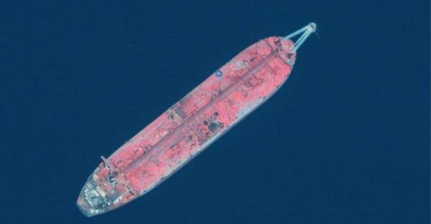 Descomposición de los petroleros fuera de Yemen amenaza de desastres