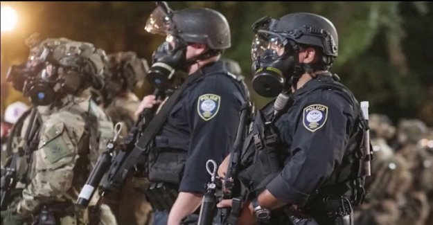 El DHS acusa a Portland a los funcionarios de habilitación de la 'mafia' postes de la línea de tiempo de los daños por la violencia de los anarquistas'