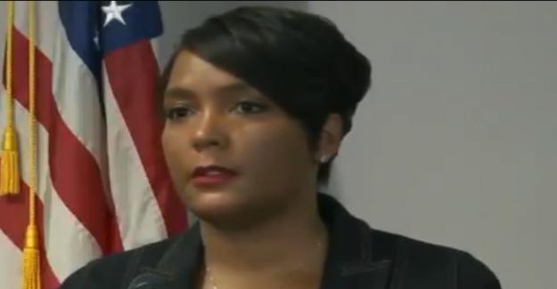 El alcalde de Atlanta, pide a los ciudadanos a dejar de 'disparando unos a otros' después del asesinato de 8 años, cerca de BLM protesta sitio