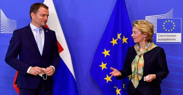 Eslovaquia PM sobrevive parlamentaria no-voto de confianza
