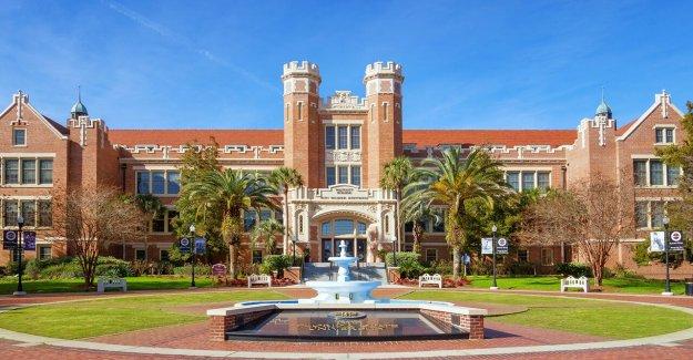 Estado de la Florida, el gobierno de estudiante cancela el presidente del senado de creencias Católicas, demanda dice
