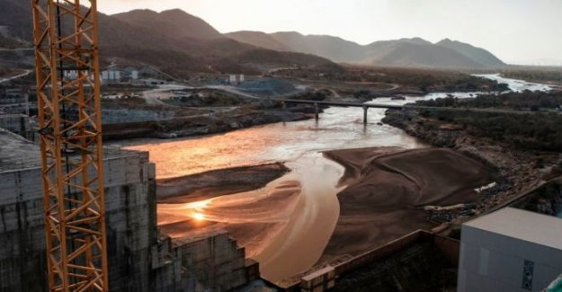 Etiopía 'comienza a llenar' el Nilo de la presa de embalse