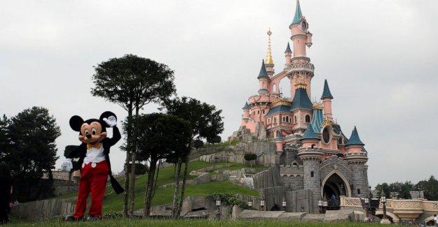 Francia turismo: Disneylandia, la Torre Eiffel piso superior a abrir