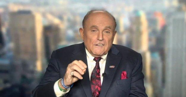 Giuliani, hablando en la cumbre de disidentes Iraníes, compara los mullahs a la mafia