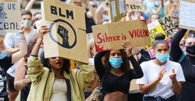 Gobierno arrastrar los pies sobre el racismo