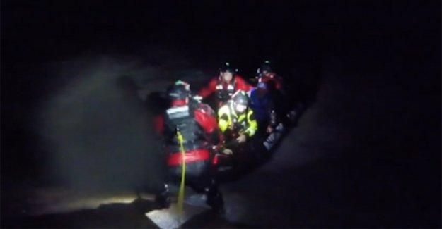 Hanna empapa el Sur de Texas, México, con la inundación de la lluvia; 3 rescatado del barco que se hunde