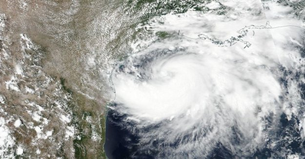 Hanna se convierte oficialmente en un huracán de Categoría 1
