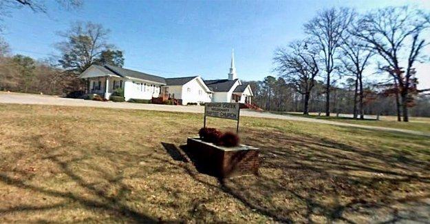 Iglesia de Alabama a cabo multiday avivamiento, ahora 40 congregantes probaron el positivo para el coronavirus