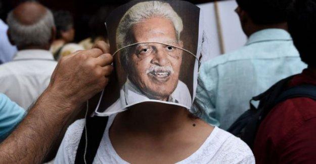 Indignación encarcelado poeta de la India contratos Covid