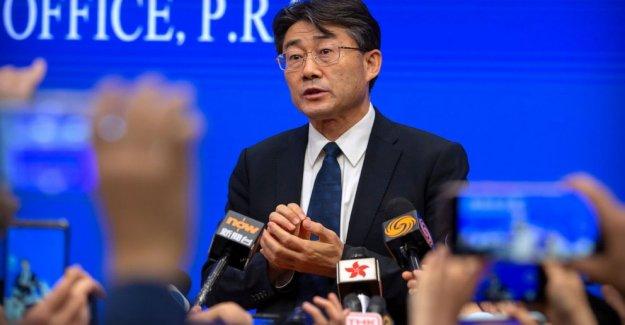 Jefe del CDC de China se inyecta con vacuna experimental