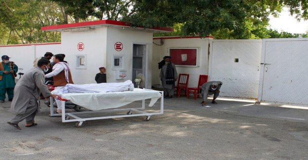 La ONU dice que los militares Afganos había disparado proyectiles de mortero contra el mercado, matando a 23 civiles en la zona controlada por los Talibanes