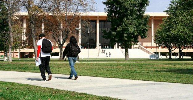 La Universidad Estatal de California para exigir étnico o social, la justicia clases para la graduación
