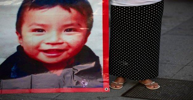 La caza de que faltan 2 años que lleva de la policía en la ciudad de méxico, a 23 secuestrados hijos, 3 mujeres detenidas