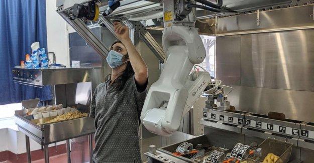 La demanda de robots cocineros se eleva como cocinas de combate COVID-19