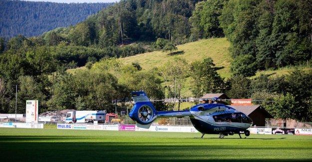 La policía alemana continuar la Selva Negra manhunt, buscar el motivo