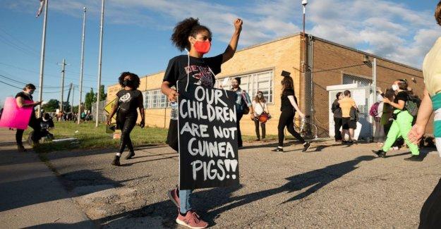 Las detenciones efectuadas en el 4º día de Detroit de la escuela de verano protestas