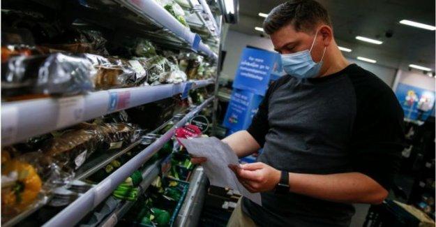 Las máscaras en las tiendas razonable, dice Waterstones jefe