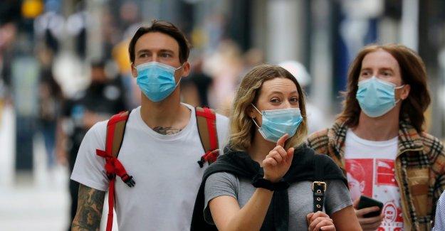 Los británicos se enfrenta a $125 multa por no usar máscaras en medio de coronavirus del resurgimiento
