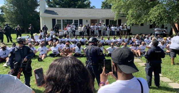 Los fiscales de la gota de cargos de delito grave contra 87 Breonna Taylor manifestantes fue detenido en su casa de Kentucky AG