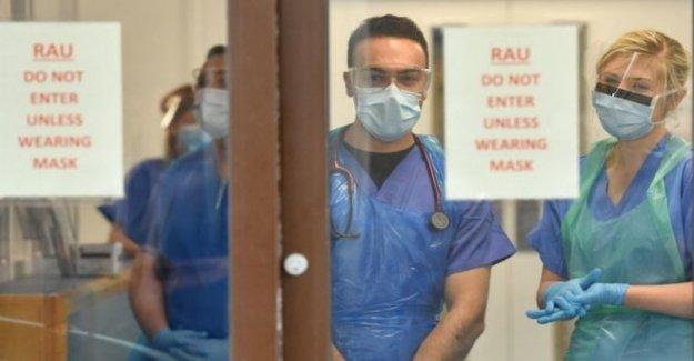 Los hospitales de la máscara de la cara de culpabilidad después de Covid-19 de la espiga