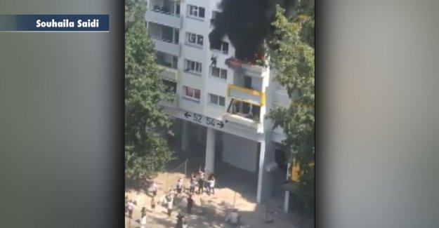 Los niños franceses cayó a partir de la quema de un edificio de apartamentos a los Buenos Samaritanos en el dramático momento captado en video