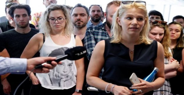 Los periodistas renunciar en Hungría la parte superior del sitio de noticias