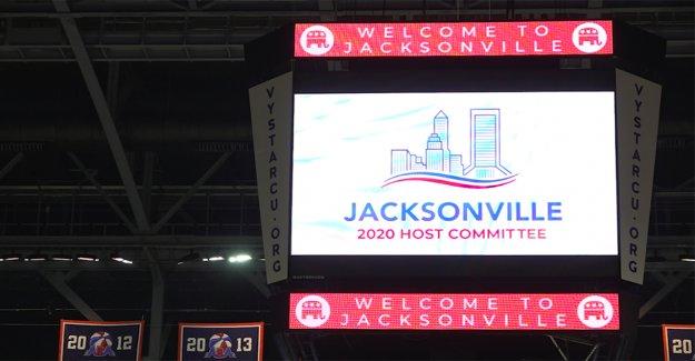 Los republicanos de la escala de vuelta de la convención de los planes de Jacksonville