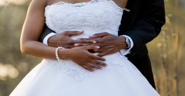Médico de ellas se fuga en la cima de la montaña de Colorado después de coronavirus cancelado los planes de la boda, viral de Twitter fotos muestran