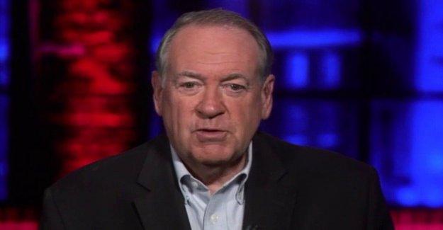 Mike Huckabee: Joe Biden evita las entrevistas, ya que dice algo totalmente ridículo cada vez que se