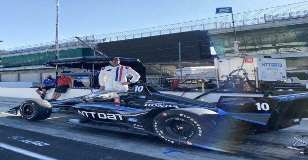 NASCAR es Jimmie Johnson pruebas de IndyCar en el Indianapolis Motor Speedway