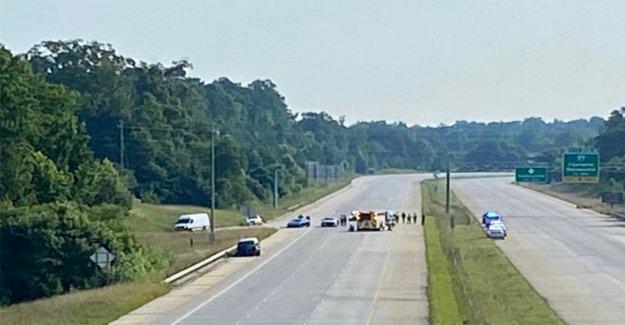 NC soldado herido después de ser golpeado por un vehículo en Charlotte interestatal