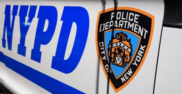 NYPD utiliza sin marcar van a arrestar a la mujer acusada de daños a la policía cámaras