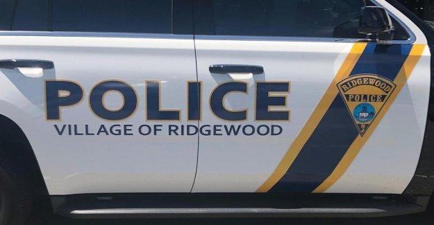 Nuevo Jersey de la policía en virtud de la revisión interna sobre la detención de adolescentes ciclista