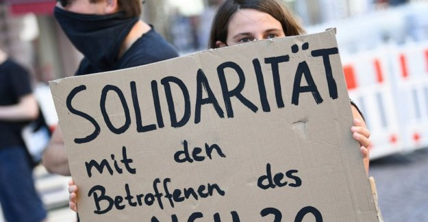 Pareja de alemanes detenidos sobre la amenaza de correo a los legisladores, a los demás