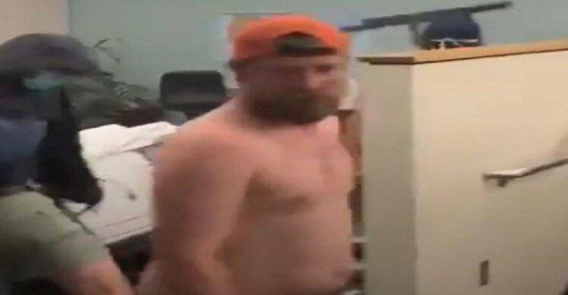 Portland hombre acusado en el Centro de Justicia incendio después de volver del tatuaje lleva a las autoridades a él