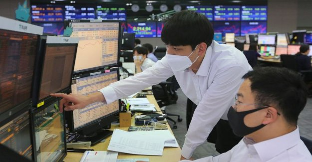S&P 500 tiene mayor pérdida en casi 4 semanas como el de tecnología tropieza