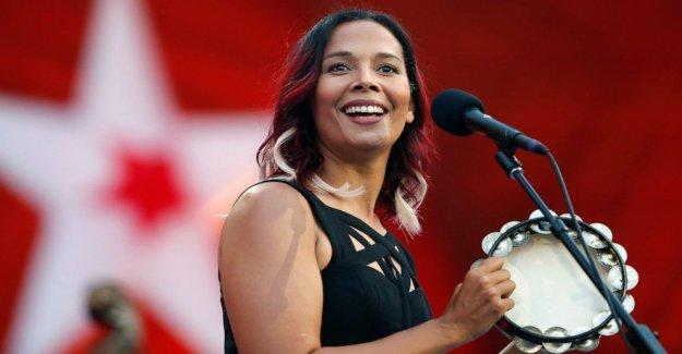 Silkroad la nueva cara: ganador de un Grammy, artista de Rhiannon Giddens