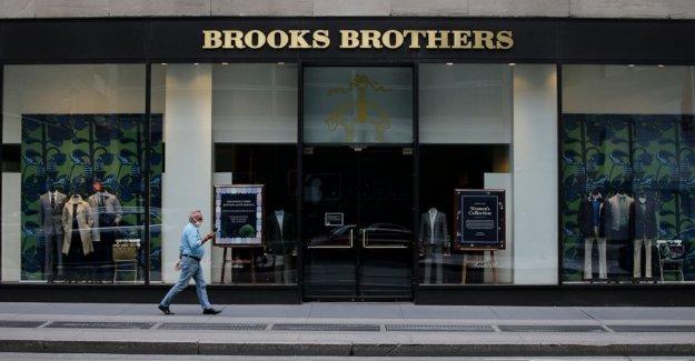 Simon respaldado por la empresa que hace la oferta de compra de Brooks Brothers