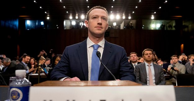 Sobrevivientes del holocausto instar a Facebook para tomar hacia abajo de anti-Semita la denegación de los puestos, clasificarlos como el discurso del odio