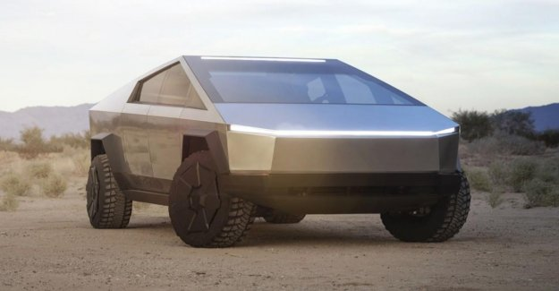 Tesla Cybertruck a 'pintar' con el fuego?