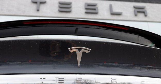 Tesla intenta asegurar a los trabajadores que no hay gran brote de virus