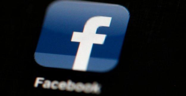 Trabajador negro de los archivos de queja de discriminación contra Facebook